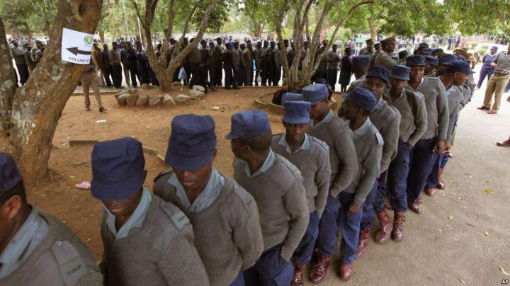 VOTING COPS