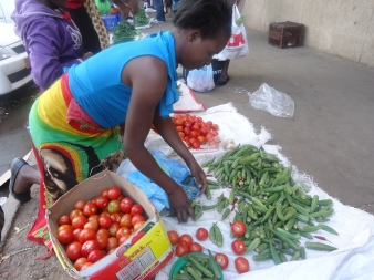 women-vendors-struggling-to-make-ends-meet2