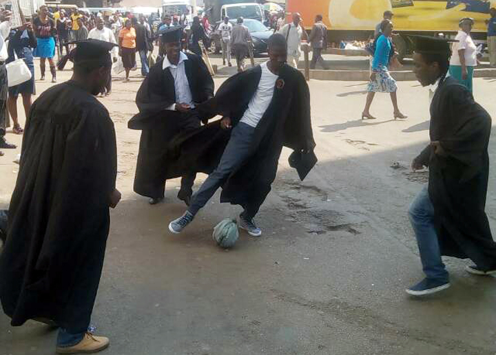 Graduates-football